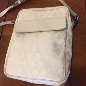 19896b5d67b5 Patrick Cox white shoulder bag